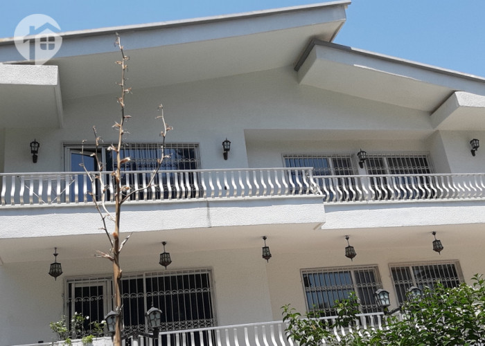 رهن و اجاره ویلایی 780 متری